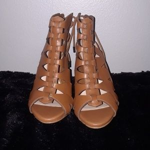 Guess cut out saddle brown heels